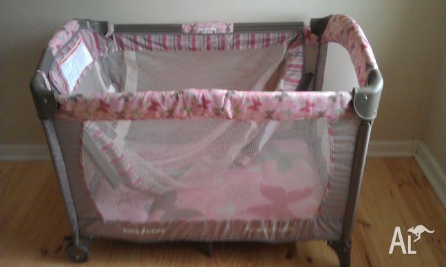 Baby trend nursery center portercot
