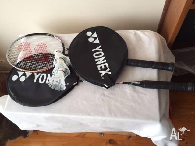 Badminton racquets (x2), shuttlecocks (x4)