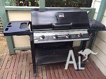 Barbeque 4 Burner with hot plate