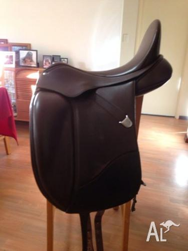 Bates Isabell 17inch Dressage Saddle