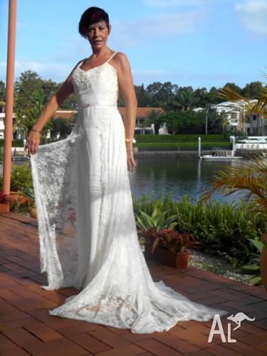 Beautifully Designed Princess Cut Wedding Dress Size 10