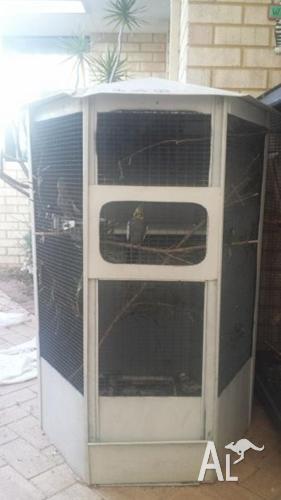 Big Beautiful Patio Bird Cage/Aviary