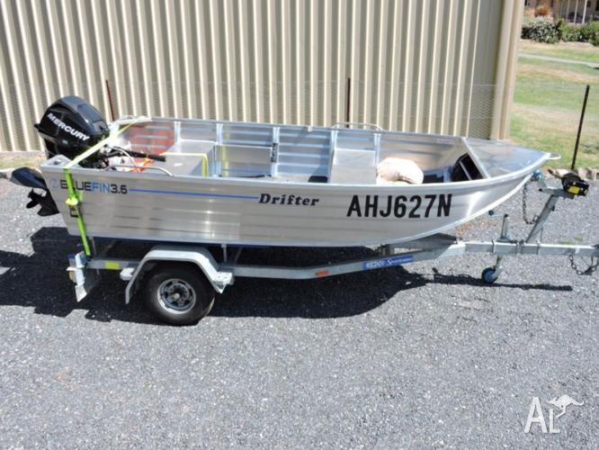 BLUEFIN 3.6 m aluminium boat, Mercury 20 Hp motor,