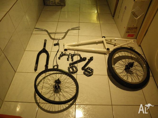 BMX bike frame and parts in good condition