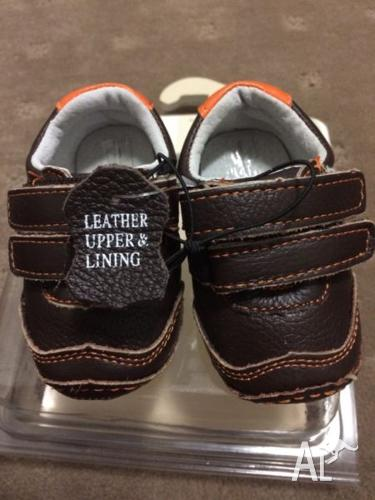 BNIB Size 1 Leather Pre Walker Baby Shoes