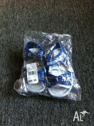 Boy's Oshkosh sandals