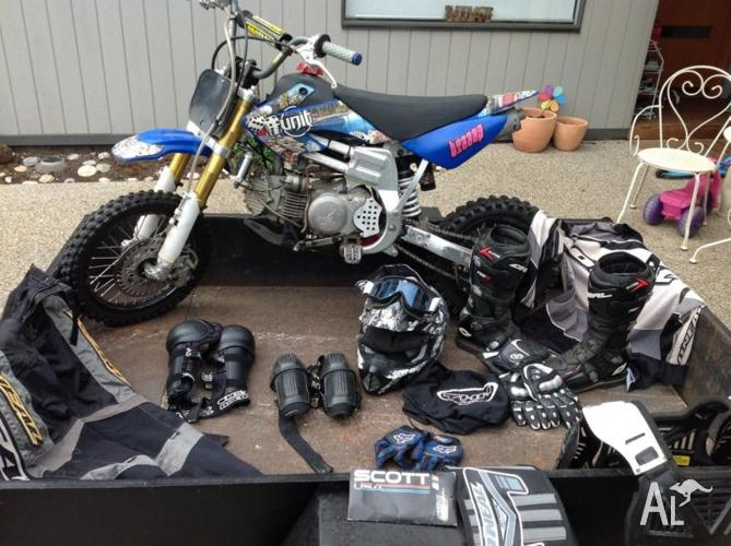 Braaap 150cc with trailer and all protection