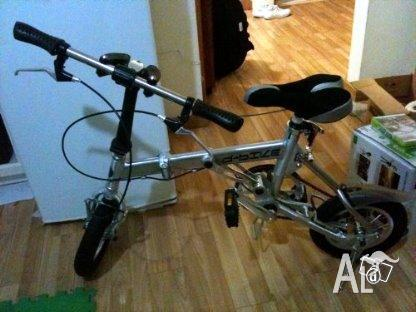 Brand New folding bike ( 199 crazy price) for Sale in