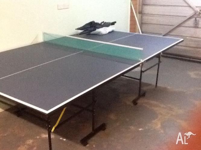 BRAND NEW PING PONG TABLE SELIING CHEAP