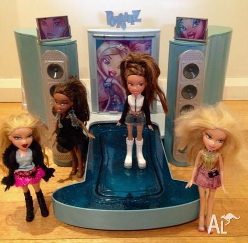 Bratz Catwalk and Four Dolls
