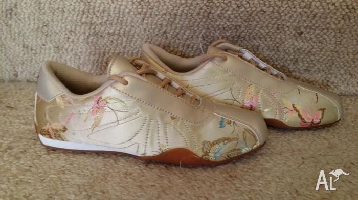BRATZ shoes... AUS 4, Eur 35.5...BRAND NEW.