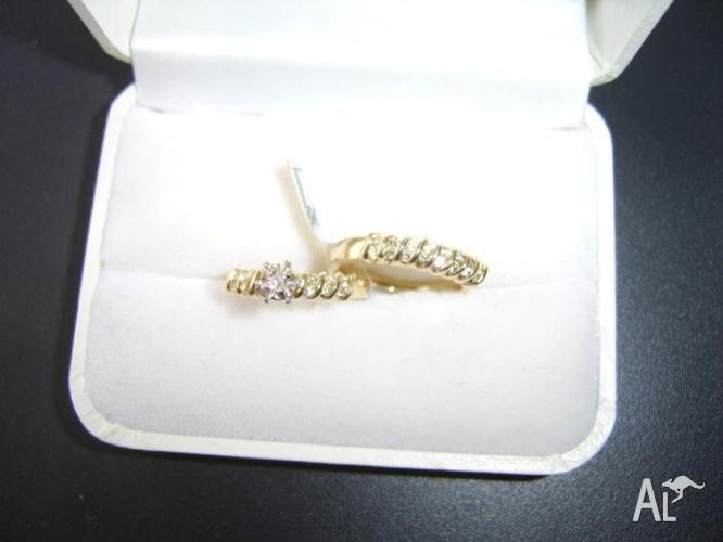 BRILLIANT SOLID GOLD & TOTAL 29 DIAMONDS ENGAGEMENT &