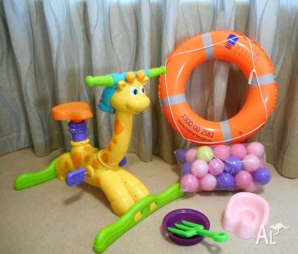 BUNDLE OF TOYS INCLUDING MUSICAL EXERCISE GIRAFFE