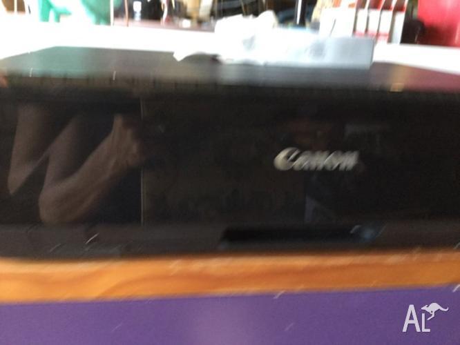 Canon iP7260 pix a printer with 5 ink catridges