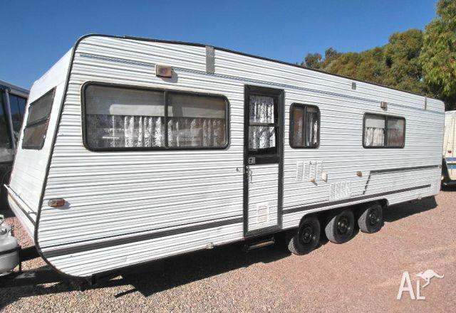 Beautiful 4700 With Queen And Bunk Bed Floorplan