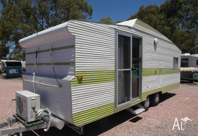 Caravan Viscount Tandem With Sliding Glass Door To Lounge