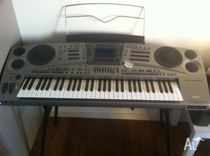 Casio MZ-2000 Electric Keyboard Piano