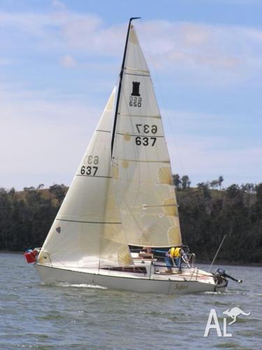 castle 650 yacht