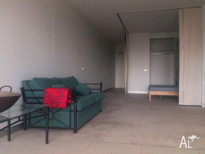 CBD Studio Apartment - Fully Furnished