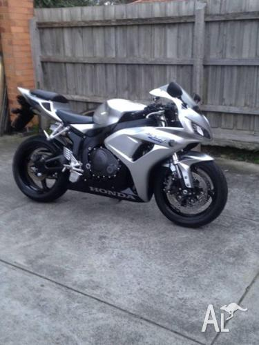 cbr1000rr 07 Original, Beautiful, Reliable, Rides Like