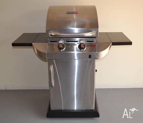 Char-Broil 2 Burner Infra-Red Grill - in new condition