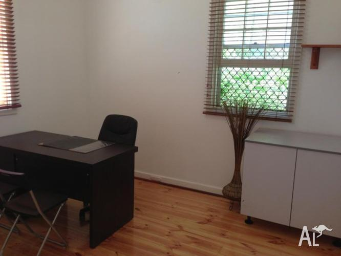 Cheap office suited for small business