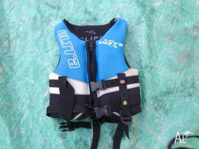 Childs PFD 3 lifejacket
