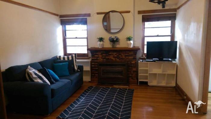 Clean / Modern Furnished Apartment / Richmond