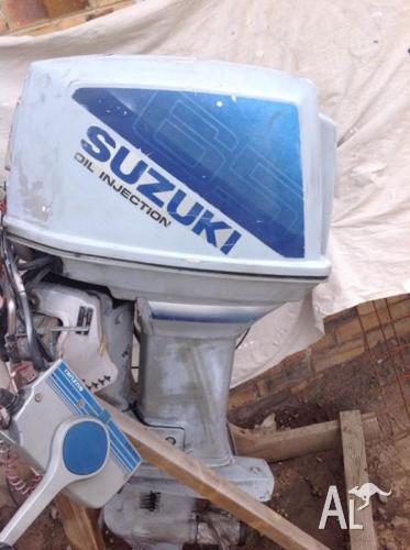 Complete Suzuki outboard Td65