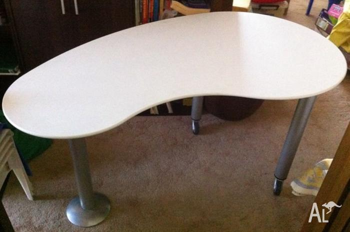 Computer desk kidney shaped for sale in albion victoria classified - Kidney shaped office desk ...