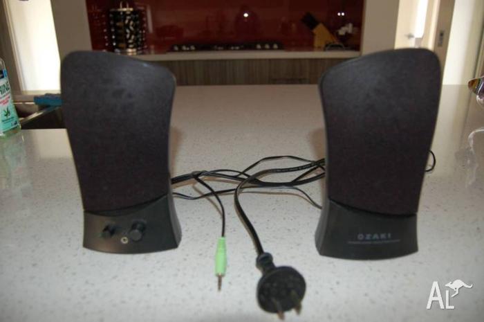 Computer speakers pair