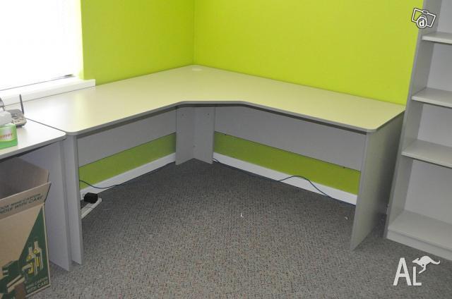 Corner Computer Desks And Large Bookshelf