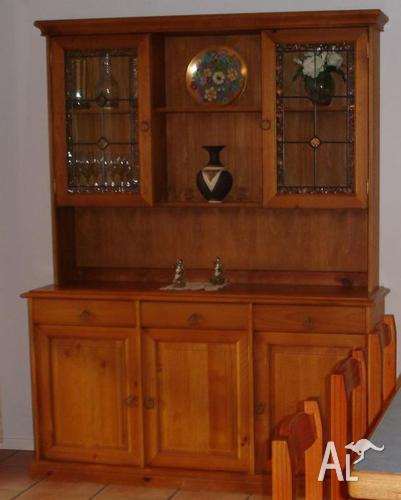 Country Style Pine Buffet & Hutch for Sale in FIGTREE, New ...