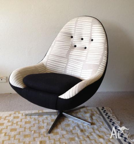 Marvelous Danish Large Swivel Linen Lounge Egg Chair Vintage Retro Home Interior And Landscaping Synyenasavecom