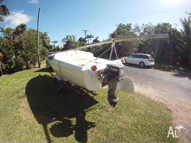 DENNIS 500 5m sailboat with Yamaha 8hp outboard