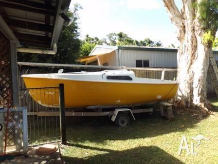 Dennis Yacht Trailer Sailer
