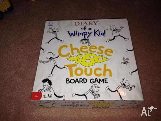 DIARY OF A WHIMPY KID BOARD GAME - as new