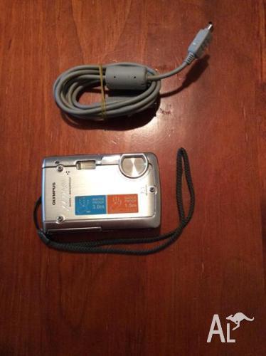 Digital Camera - Olympus 720 SW