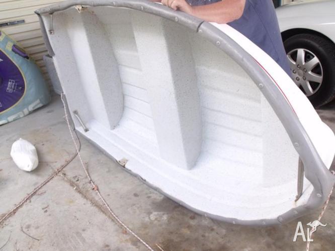 dinghy / tender good condition fibreglass
