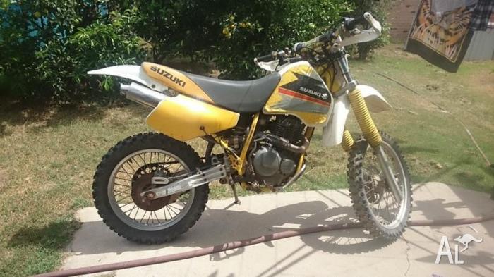 DR350 motor bike
