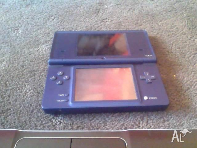 DSI with cover and 6 games