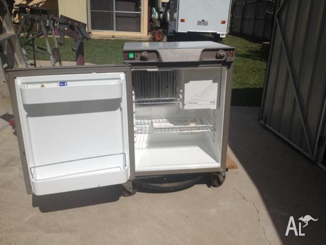 3 Way Refrigerator >> Electrolux 3 Way Refrigerator For Sale In Douglas Queensland