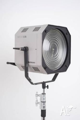 Elinchrom Spot Lite S 35 Fresnel adapted for Broncolor