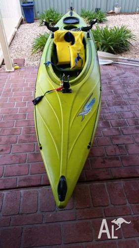 Feel free express tourer fishing kayak