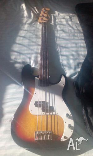 Fender Squier Bass
