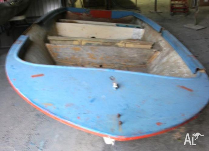 Fibreglass hull dinghy