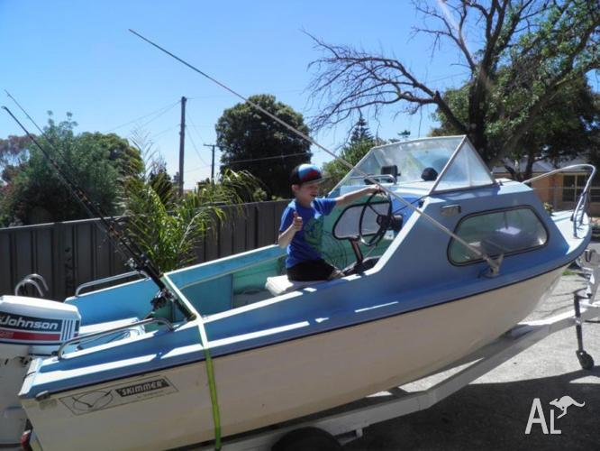 FIBREGLASS RUNABOUT SKIMMER 4 7M for Sale in KINGSTON PARK