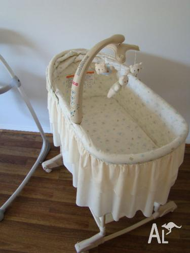 Fisher-Price Nursery Rocking Bassinet