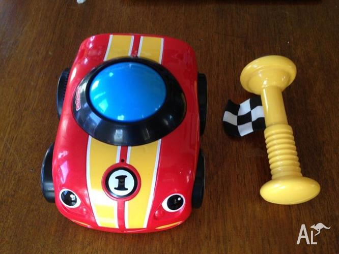 Fisher Price - Lil' Zoomers Shake and Crawl Racer