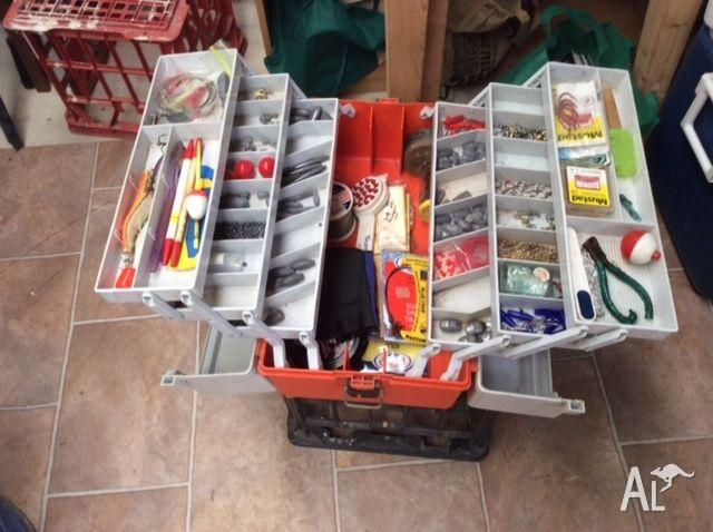 Fishing Tackle box, knives